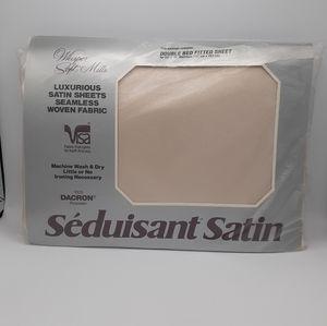 WHISPER SOFT MILLS SATIN FULL FITTED NWT